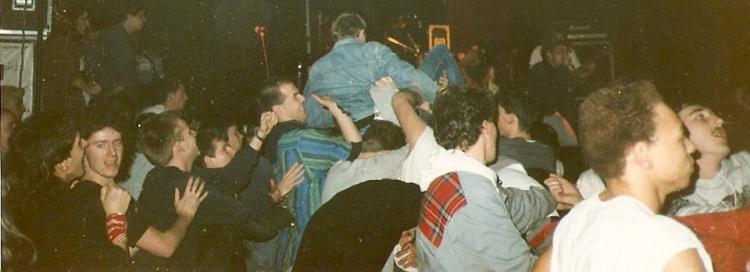 87-11-22 MDC crowd @ Sharphill (-)